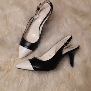White and black heels shoes (10-9) in Good conditi